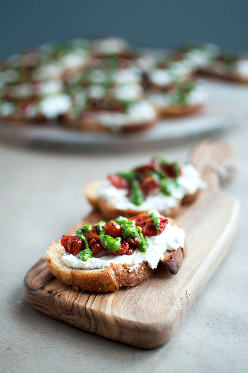 Pretty in Pistachio | Roasted Tomato Crostini with Basil Pesto