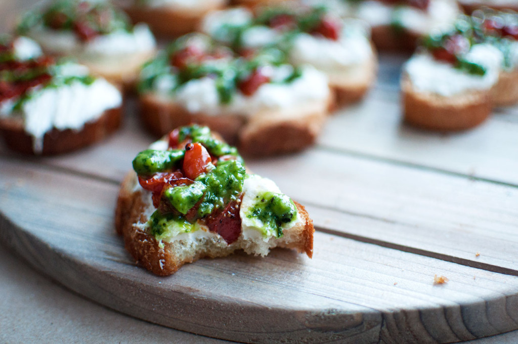 Roasted-Tomato-Crostini-9