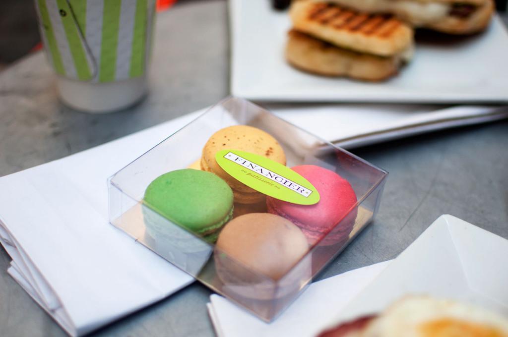 Financier-Macaron-Box