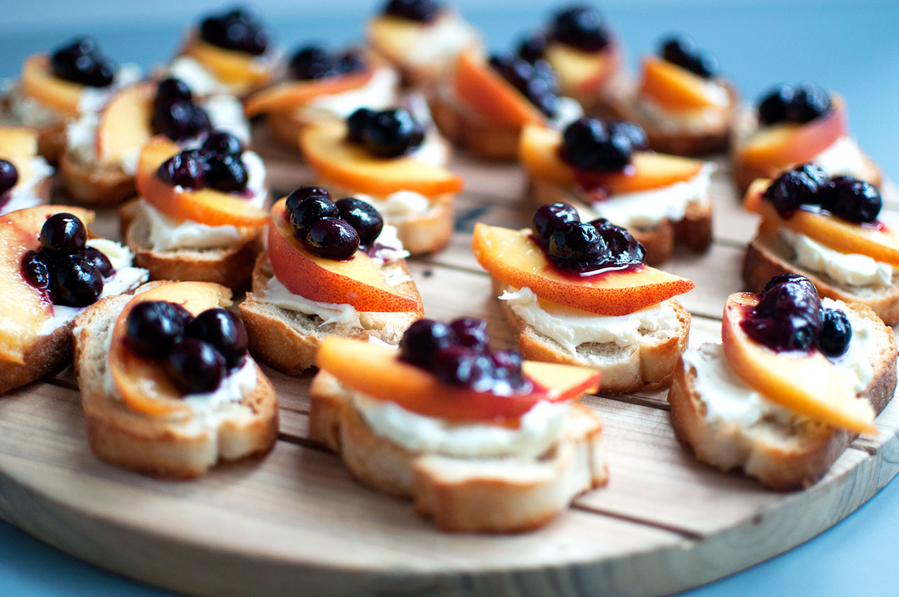 Peach Crostini with Roasted Blueberries | Pretty in Pistachio