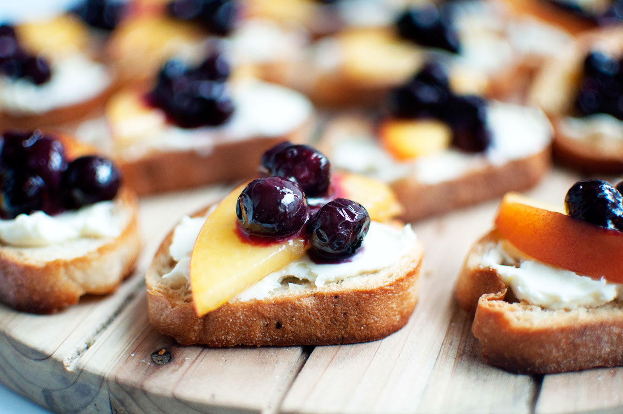 Pretty in Pistachio | Peach Crostini with Roasted Blueberries