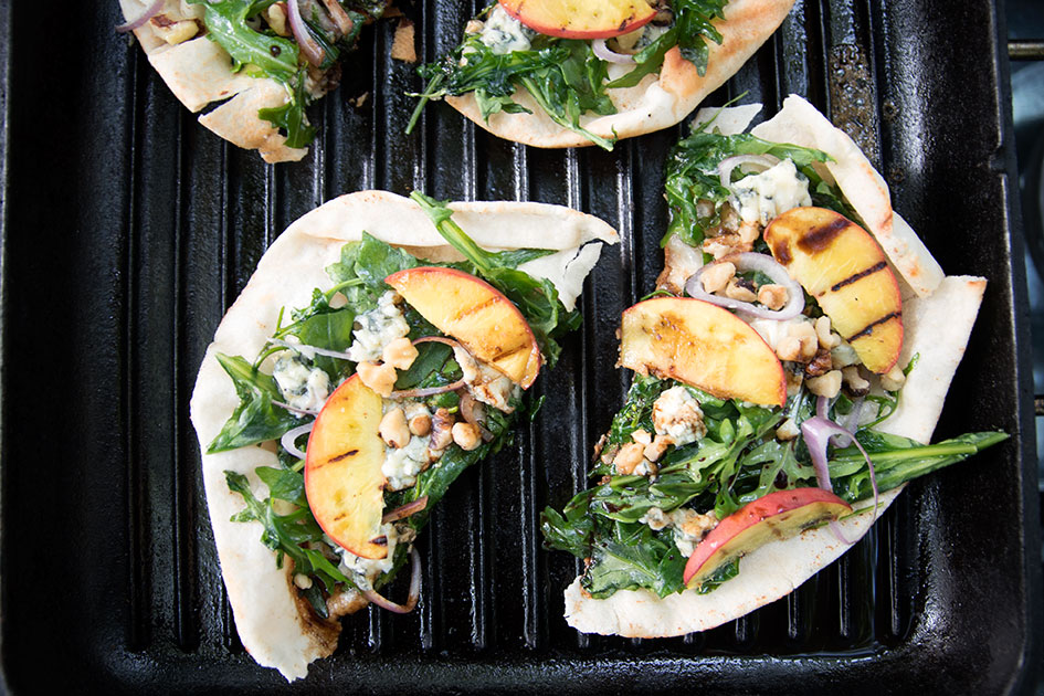 Grilled-Flatbread-with-Blue-Cheese-and-Peaches