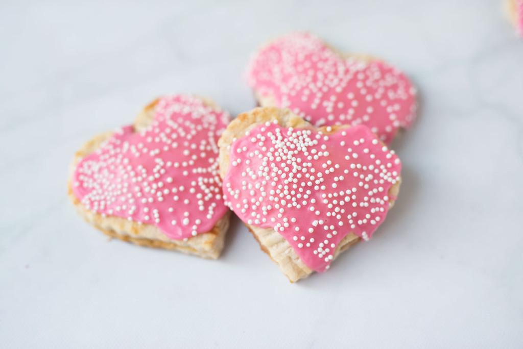 Le-Creuset-Strawberry-Hand-Pie