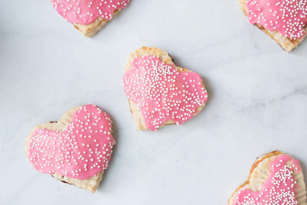 Le-Creuset-Strawberry-Hand-Pie-3